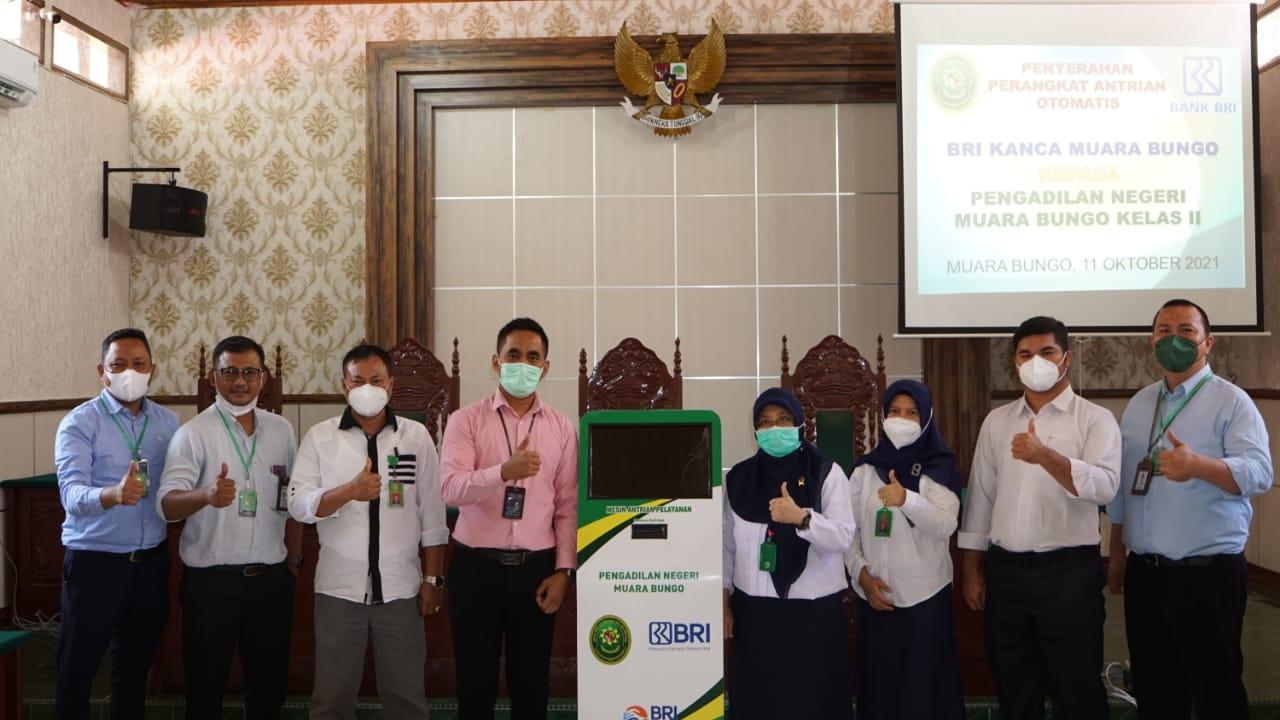 Acara serah terima Mesin Antrian dari Bank Rakyat Indonesia kepada Pengadilan Negeri Muara Bungo Kelas II.