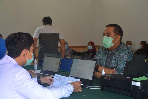 Acara vaksinasi Covid 19 di Pengadilan Negeri Muara Bungo