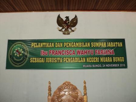 Pelantikan Ibu Fransisca Wahyu Fariana menjadi Juru Sita PN. Muara Bungo